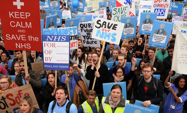 Picture from Mirror: http://www.mirror.co.uk/news/uk-news/thousands-doctors-quit-nhs-protest-6790624